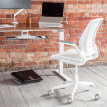 diffrient_task_chair_with_desk